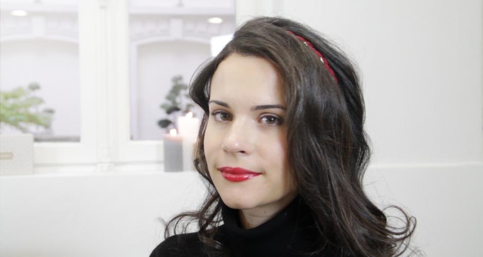 Vidéo : comment se coiffer avec un headband