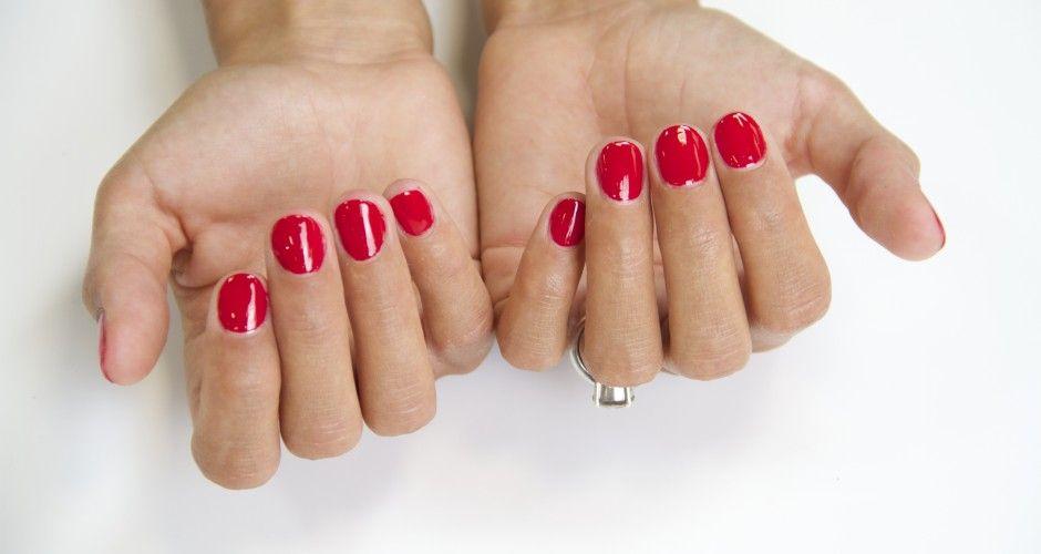 Se faire de jolis ongles en amande