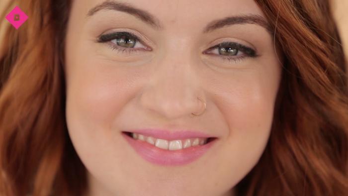 Bien appliquer un eyeliner feutre