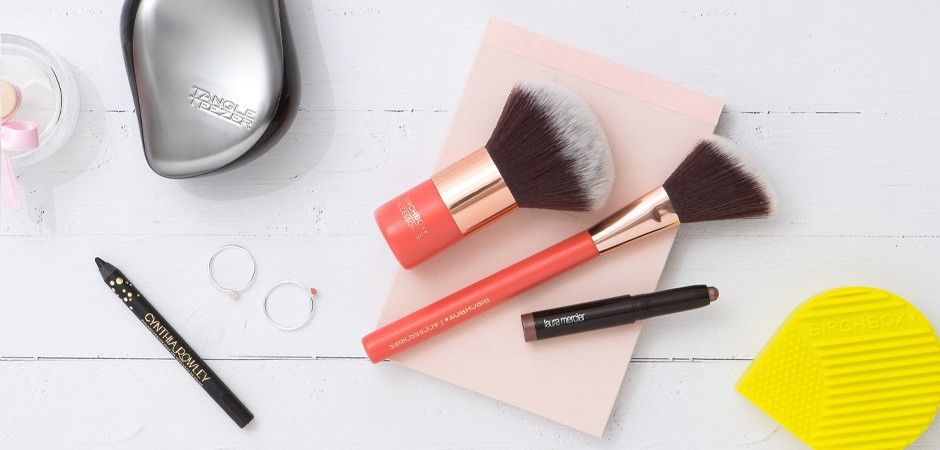 5 accessoires qui vont changer votre routine beauté