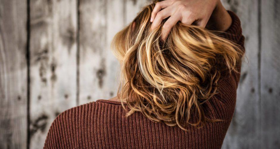 Comment se couper les cheveux seule ?
