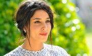 La si jolie Leila Bekhti et sa coiffure champêtre chic