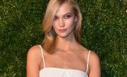 Karlie Kloss, son look beauté minimaliste
